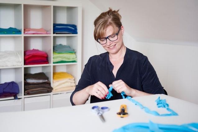 Upcycling gehäkelt: Karlsruherin Eva küsst alte Schätze wach