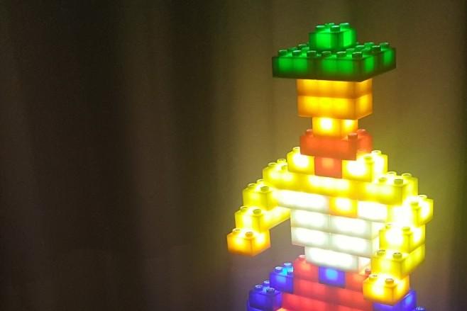 Traumhafte Lichtobjekte mit den Light Stax für Lego und Duplo